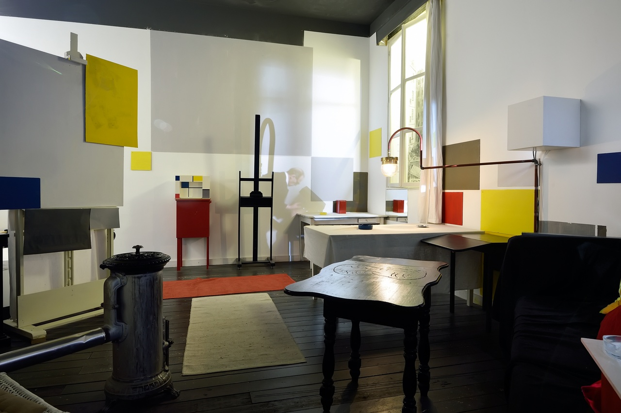 Reconstructed Parisian studio of Mondrian in Mondriaanhuis3 - Photo Mike Bink.jpg