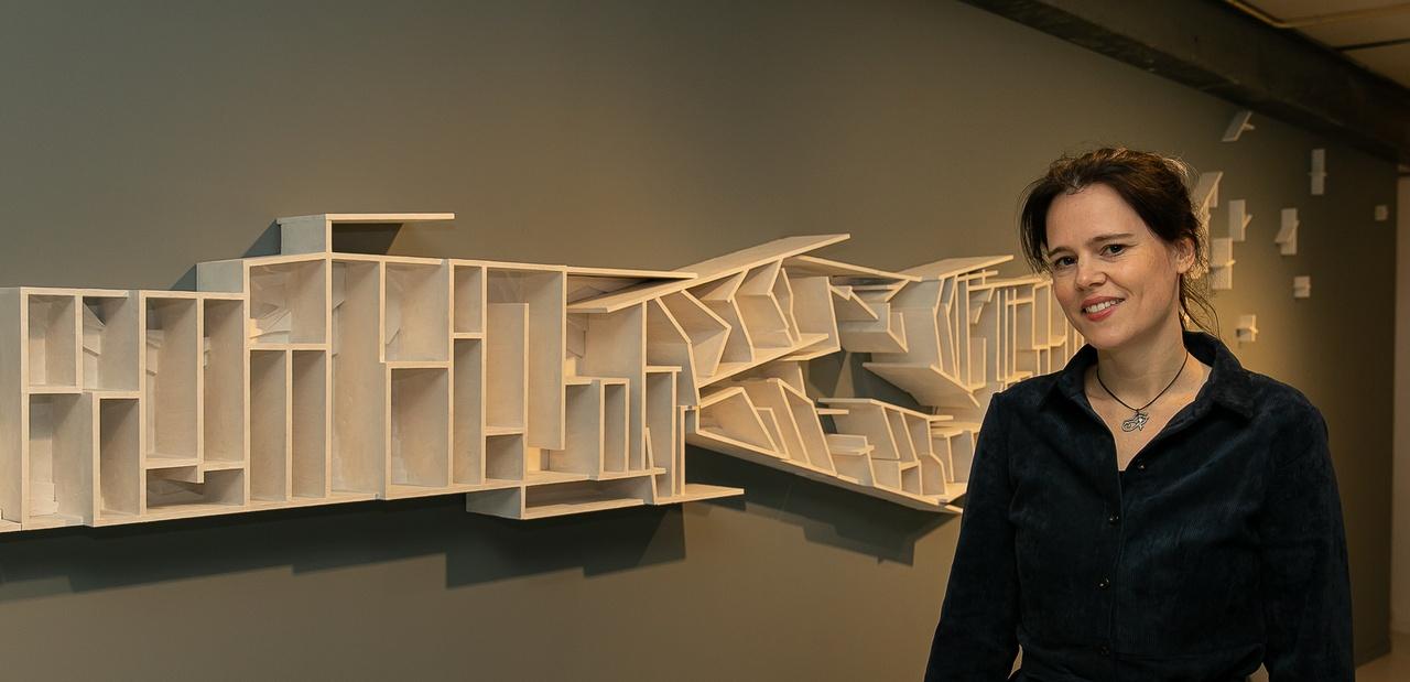 Wandscculptuur 'Continuüm' maakte Elise van der Linden specifiek voor 'Equilibrium'. Foto: Peter Putters / De Nozem Fotografie