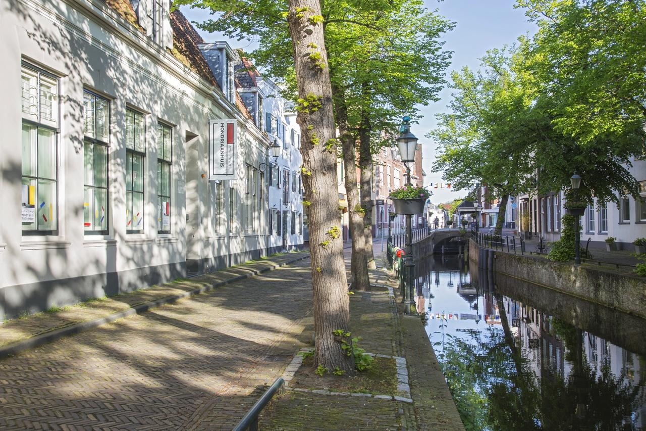 Kortegracht met Modriaanhuis-15 mei 2017- 09.jpg