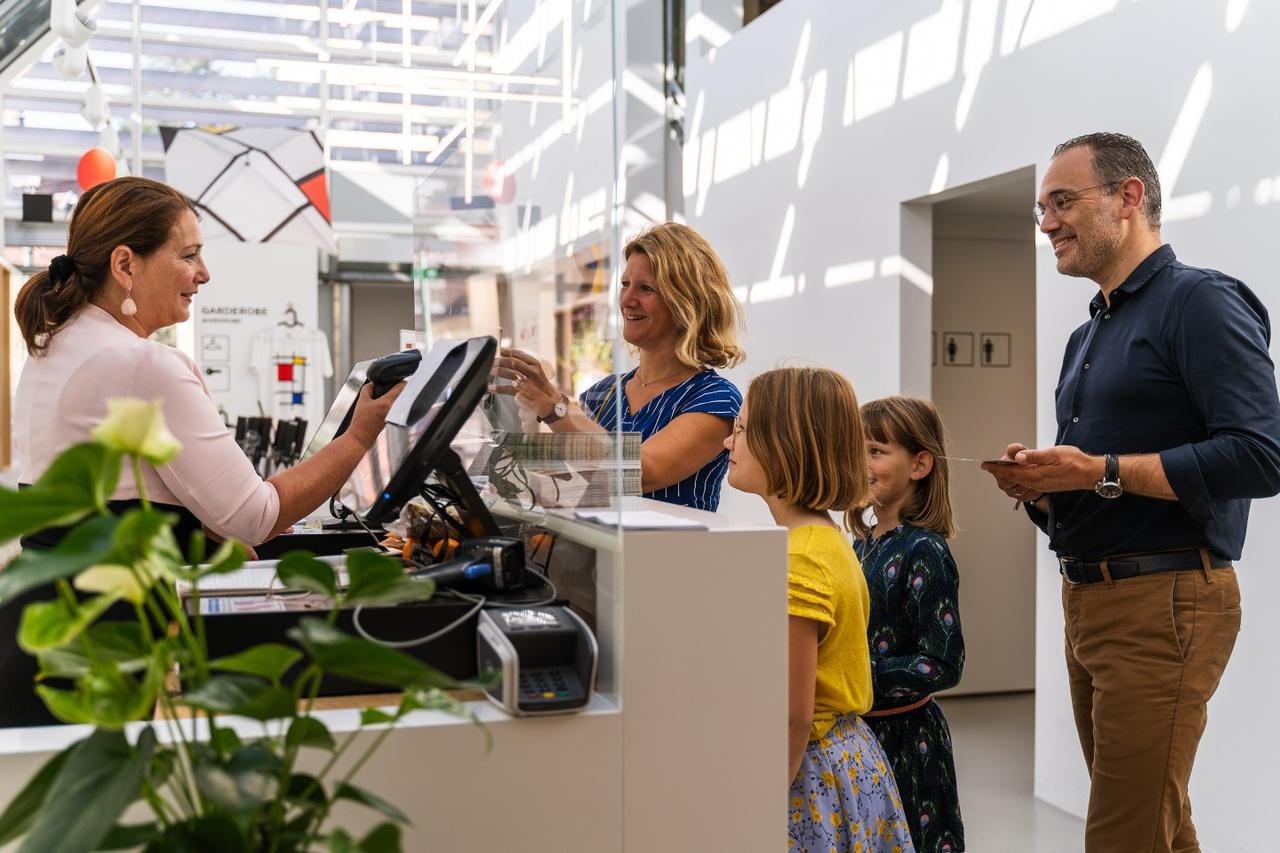 Mondriaanhuis - Bezoek Gezin - by Ralf Silvius-03b.jpg