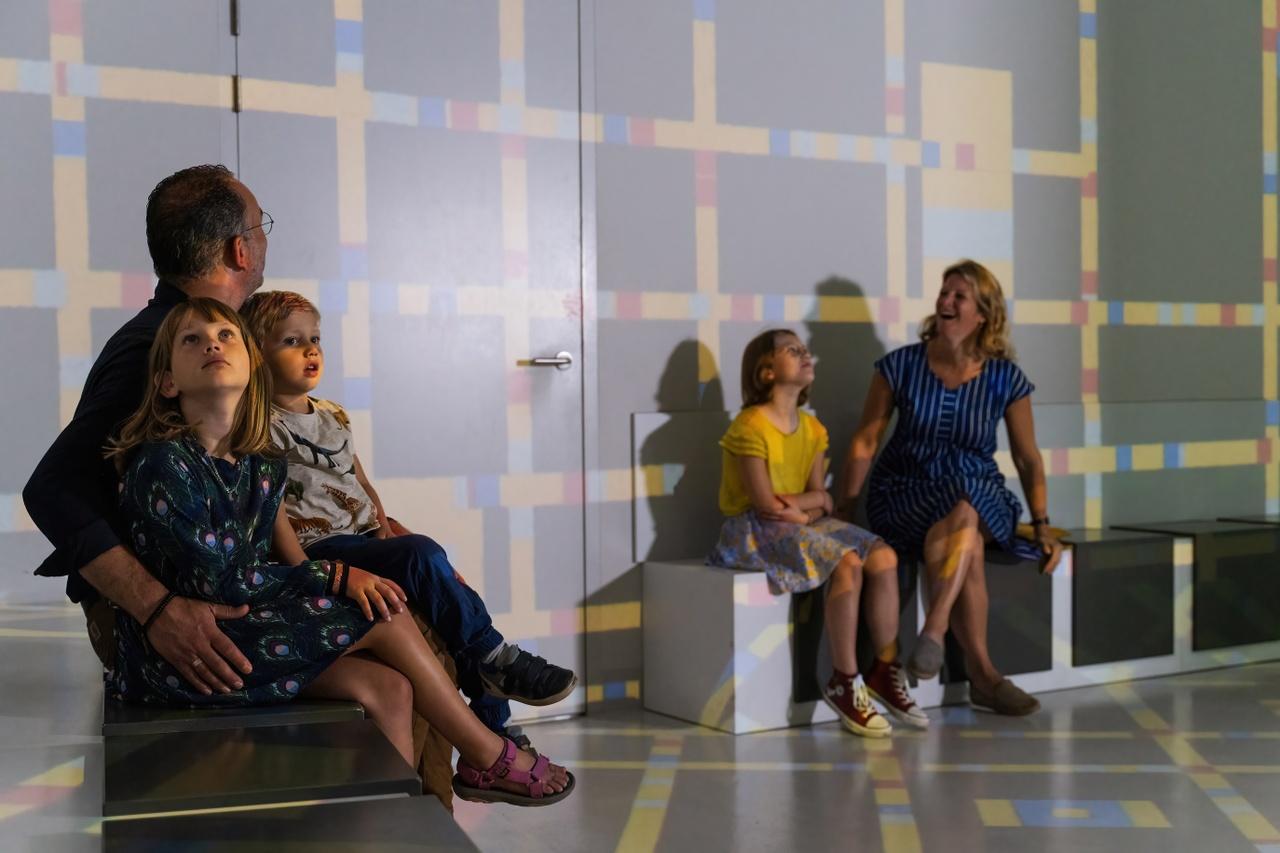 Mondriaanhuis - Bezoek Gezin - by Ralf Silvius-18b.jpg