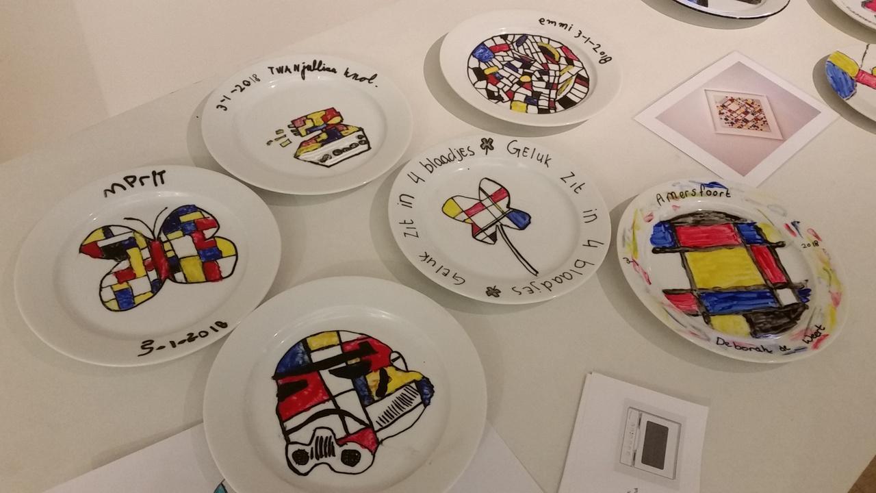 Kinderworkshop Mondriaanservies schilderen