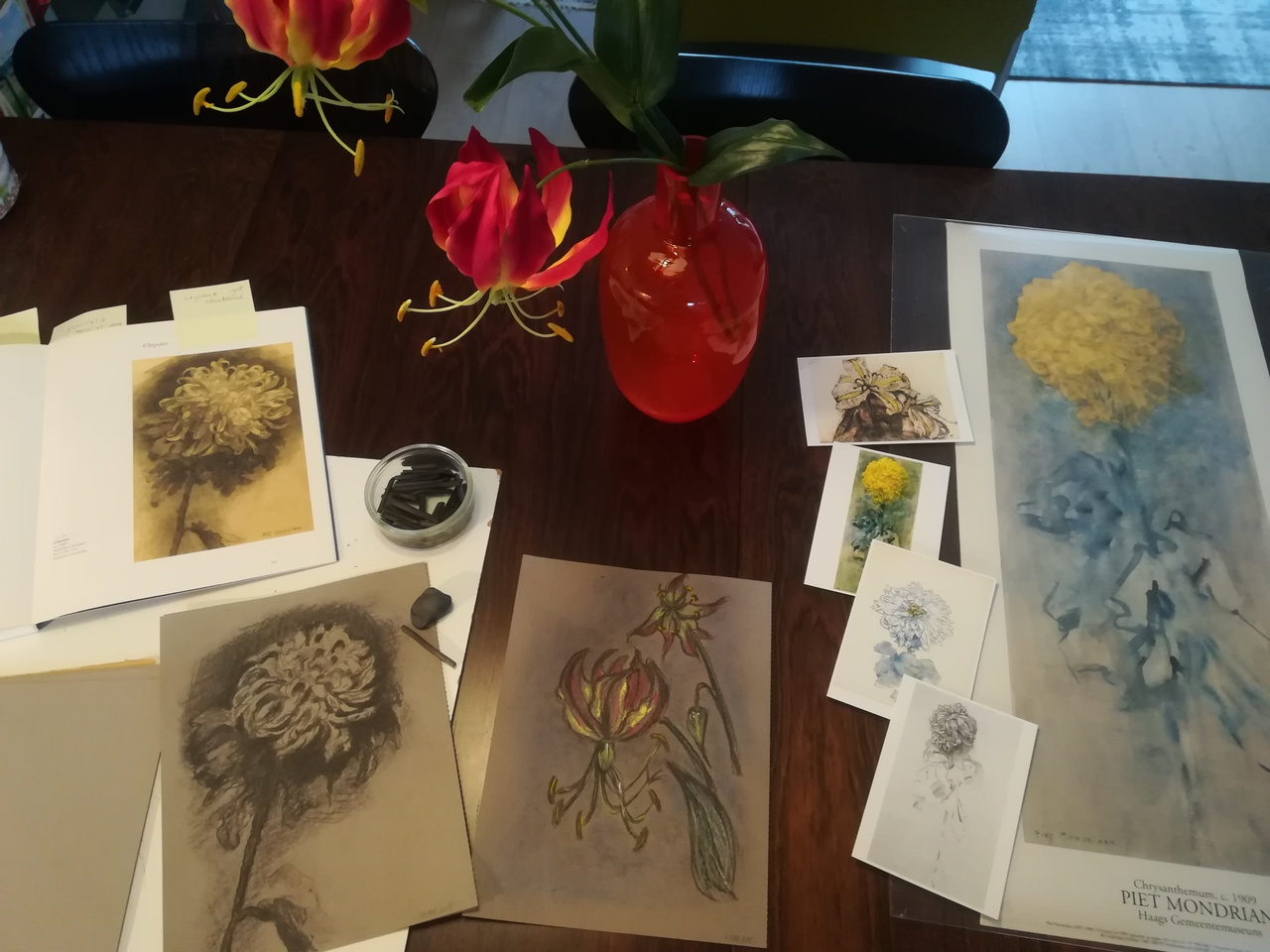 workshop Bloemen tekenen in houtskool 2.jpg