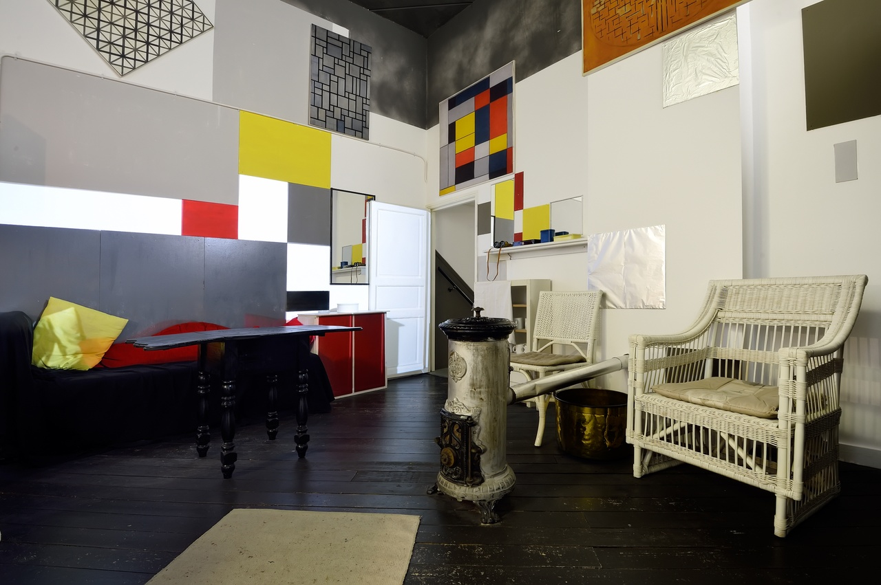 Reconstructed Parisian studio of Mondrian in Mondriaanhuis1 - Photo Mike Bink.jpg